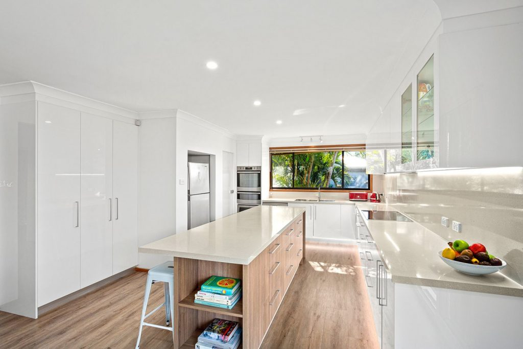 Gymea Bay Kitchen Renovation White and Timber Cupboards